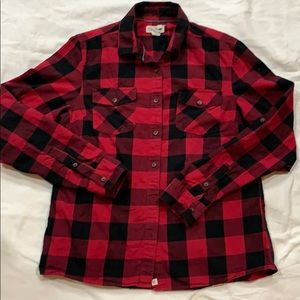 MAGELLAN  BUTTOM SHIRT SIZE LARGE